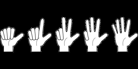 Händer som räknar till fem